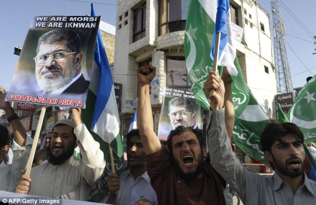 Almost 900 have died during four days of extreme violence between police and activists supporting ousted President Morsi
