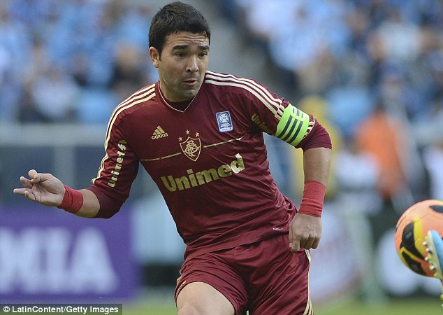 Former Chelsea midfielder Deco retires   Daily Mail Online Legend  Deco finished his 17 year career in Brazil with Fluminense