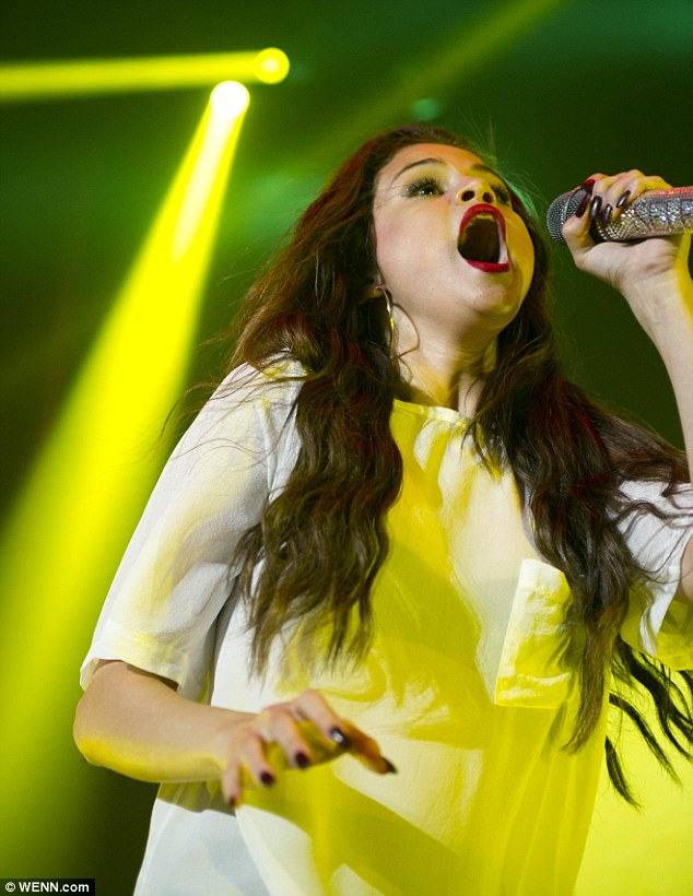 No need to swallow her pride: While her new movie did poorly over the Labor Day weekend in the US, her concert sold out at the Heineken Music Hall