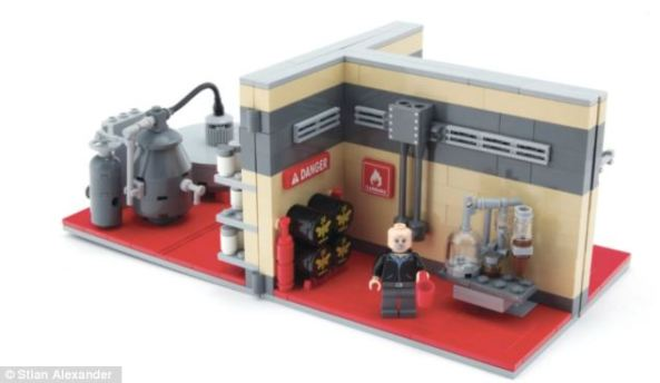 The 500-brick set, made by Citizen Brick in the United States, comes complete with figures of the main characters and enables you to build the entire meth lab