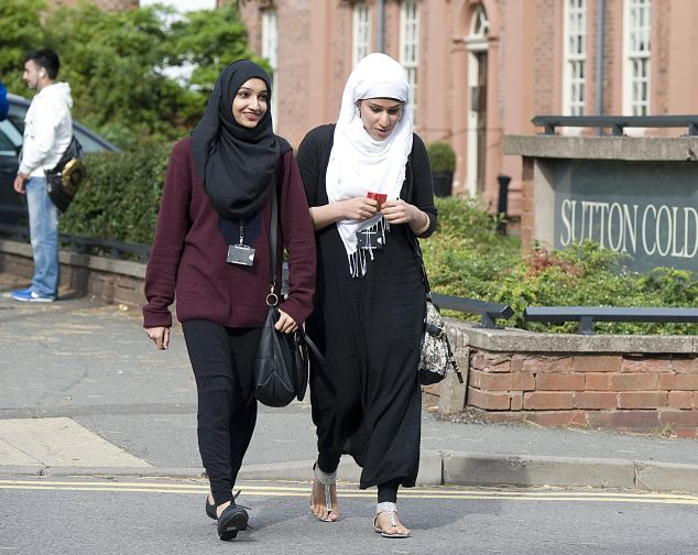 chorley muslim girl personals 16 struggles every muslim girl will understand muslim girls can't have male friends or even talk to guys without someone assuming we're dating 10.