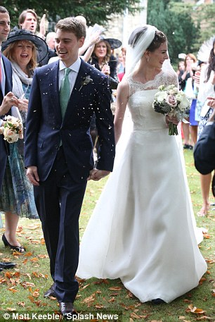 Tony Blair Kisses Son Euan At His Wedding But Theres No