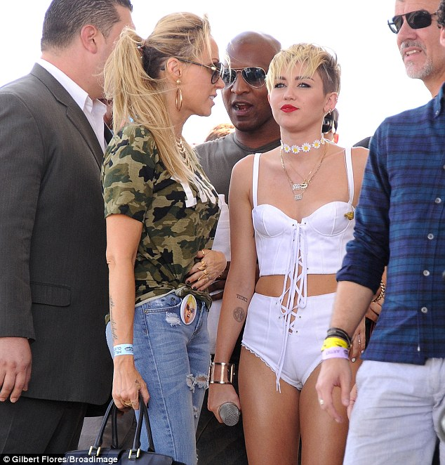 Miley Cyrus was joined at the iHeart Music festival by mother Tish