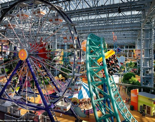 Attractions: Inside the mall is America's largest indoor theme park. Dubbed Nickelodeon Universe, the park houses 25 rides and contains plants as tall as 35 feet