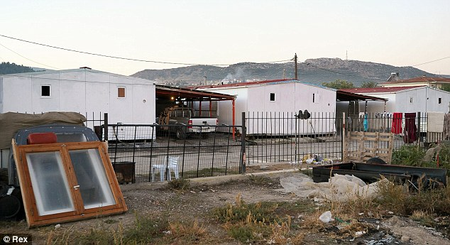 Squalid: El campo de Roma, donde la policía dicen que han encontrado 10 niños que podrían ser víctimas de la trata de niños