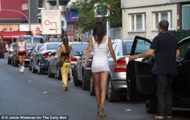 Las prostitutas, muchas de ellas gitanas, las obras de las calles de Berlín, en la zona de Kurfürstendamm de la ciudad