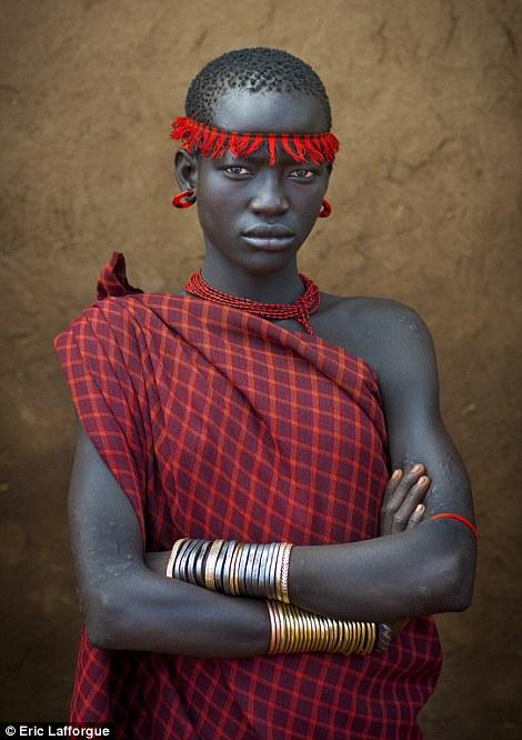 Oportunidade: As mulheres Bodi também usam a cerimônia como uma oportunidade para inspecionar potenciais maridos