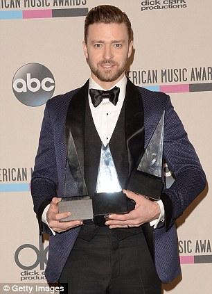 Au-delà d'une blague: Justin recueille encore plus de récompenses pour sa musique