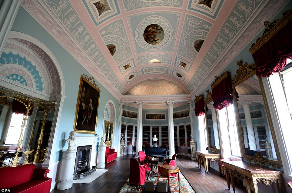 Kenwood House Which Houses Masterpieces By Rembrandt And Vermeer Set To Reopen Daily Mail Online