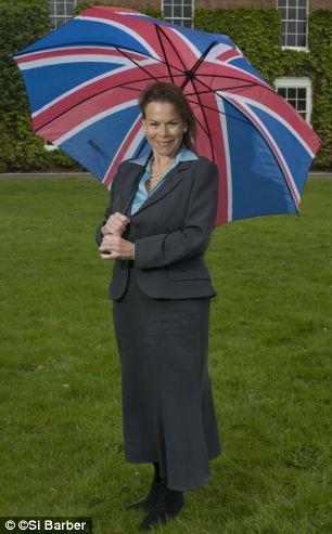 'Aliado de confianza': insiders UKIP dijo la señora Ayling fue 'vía rápida' para un puesto en el Consejo