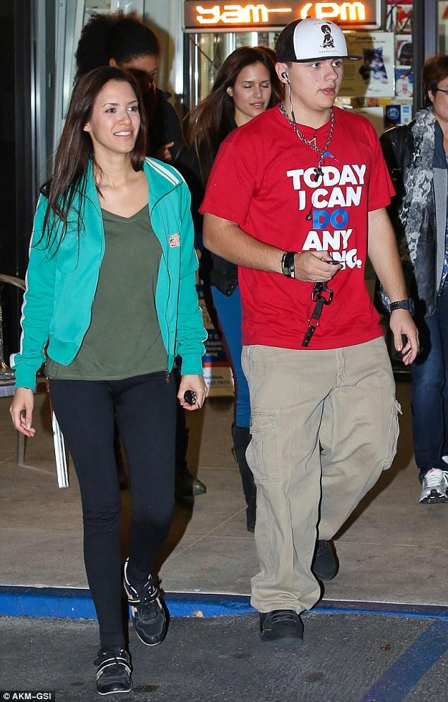 Saindo: Príncipe Jackson e namorada Remi Alfalah estavam na mão para apoiar Blanket na mudança cerimônia cinto na segunda-feira