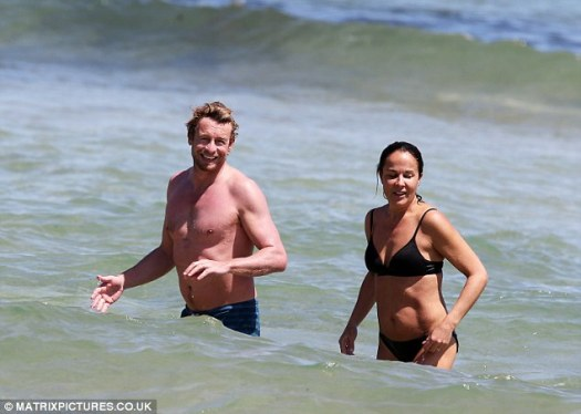 Simon Baker and his wife of 15 years cool off with a dip ...