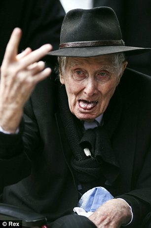 Ronnie Biggs pictured at the funeral of Bruce Reynolds in East London