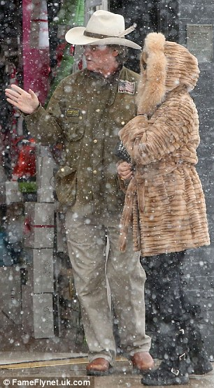Goldie Hawn And Kurt Russell Bundle Up As They Brave The