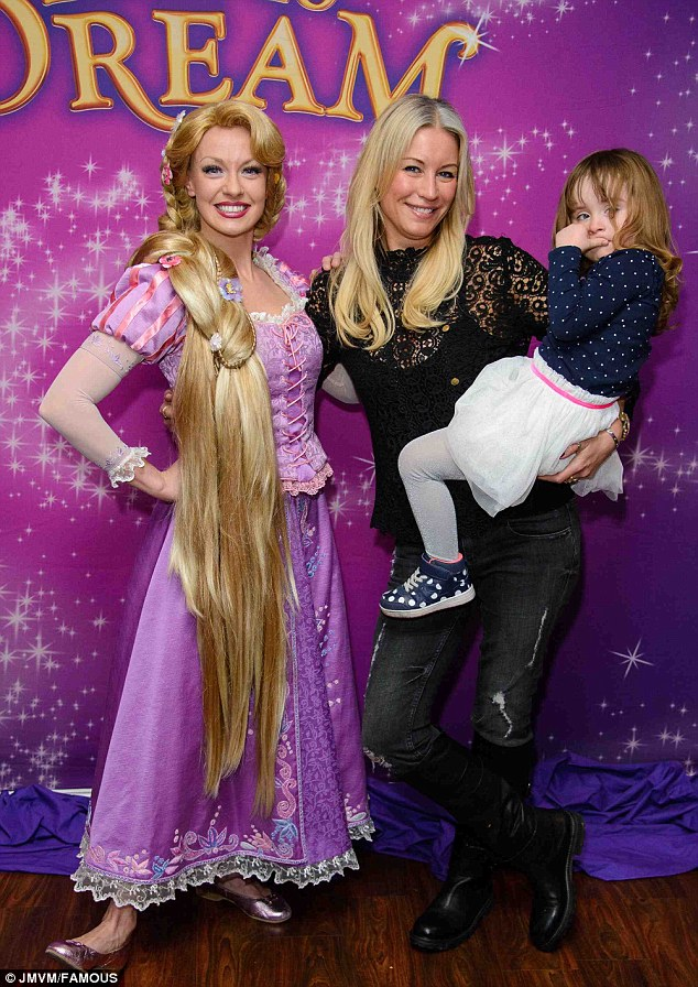 Shows Ice Tangled 2013 Disney