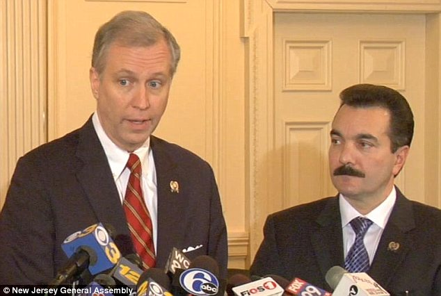 John Wisniewski (L) will chair a new 'super investigative committee' to dig into Chris Christie's actions related to the Bridgegate scandal. Assembly Speaker-elect Vincent Prieto (R) appointed him on Monday