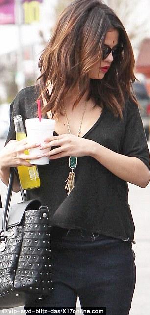 Selena Gomez Still In Tears Over Justin Bieber Romance