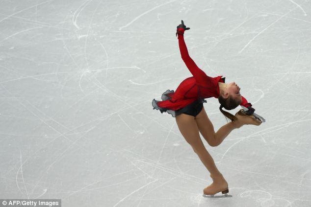 Flexible: Julia Lipnitskaia puso en un espectáculo increíble en el Palace Skating Iceberg