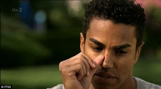 Difícil: TJ Jackson chegou perto de lágrimas quando ela discutiu o passado do grupo