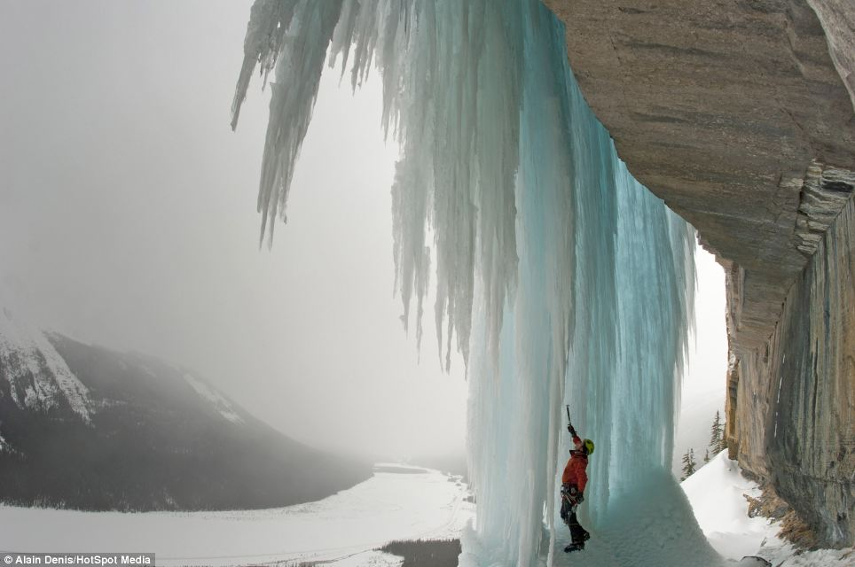 Using just ice tools, ice screws, crampons and a harness, Alain and his climbing partner Calixte LeBlanc were able to climb the waterfall in temperatures of -15 degrees