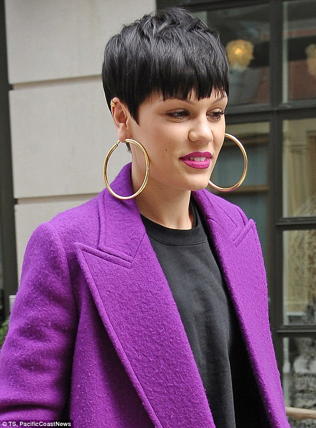 Jessie J Shares A Risqu Leggy Picture Of Herself In The