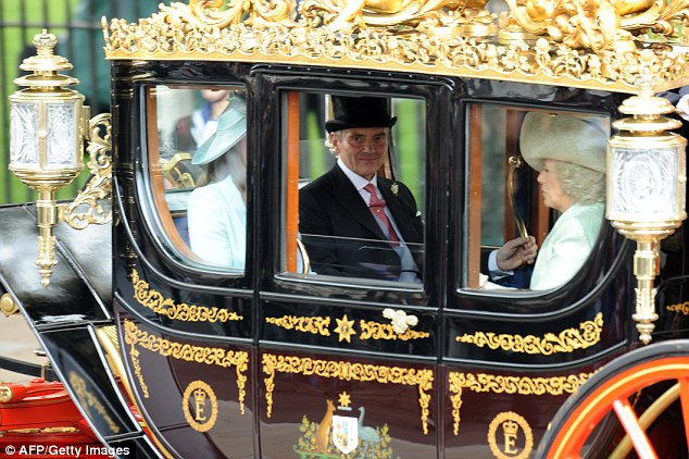 Carole and Michael Middleton travel with Camilla, Duchess of Cornwall, and Prince Charles in the carriage to the wedding of their children, the Duchess of Cambridge and Prince William