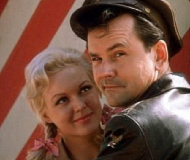 One Season Cynthia Played Colonel Klinks Secretary Helga For One Season On The Popular Cbs