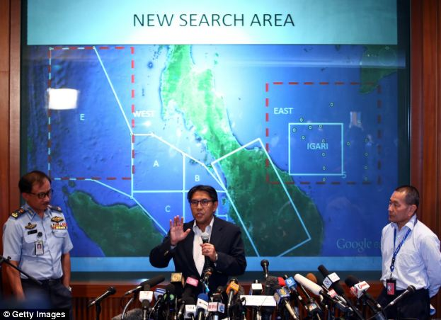 Azharuddin Abdul Rahman, director general of the Malaysian Department of Civil Aviation, briefs the media over latest updates on missing Malaysia Airline MH370 on March 10
