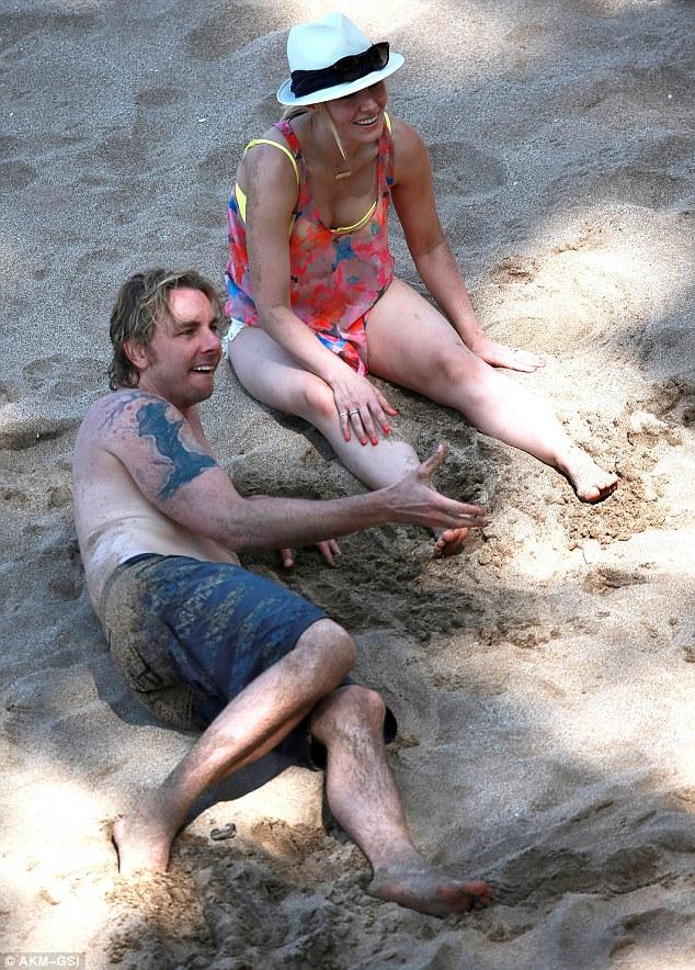 Kristen Bell Reveals Bikini Body One Year After Giving