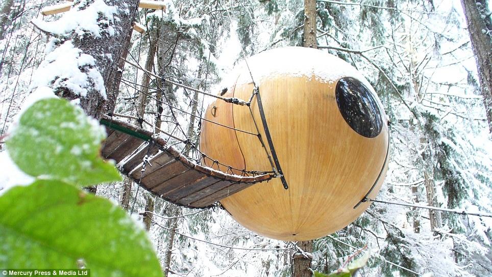 Las maravillas de invierno: Por suerte, las esferas tienen calefacción, es decir, los viajeros pueden acampar durante todo el año a pesar del frío invierno canadiense