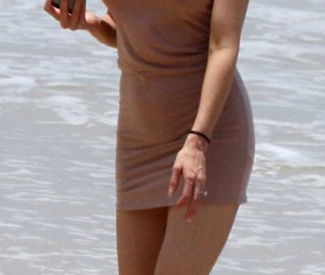No Need To Flash The Flesh Leah Hit The Beach In Just A Figure Hugging