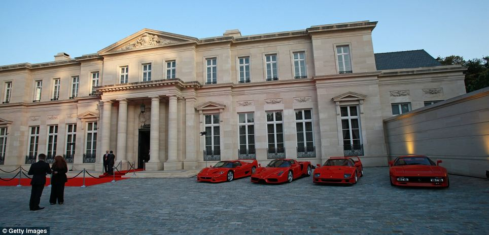 Bel Airs Palace Of Versailles Sells For 102M To Mystery