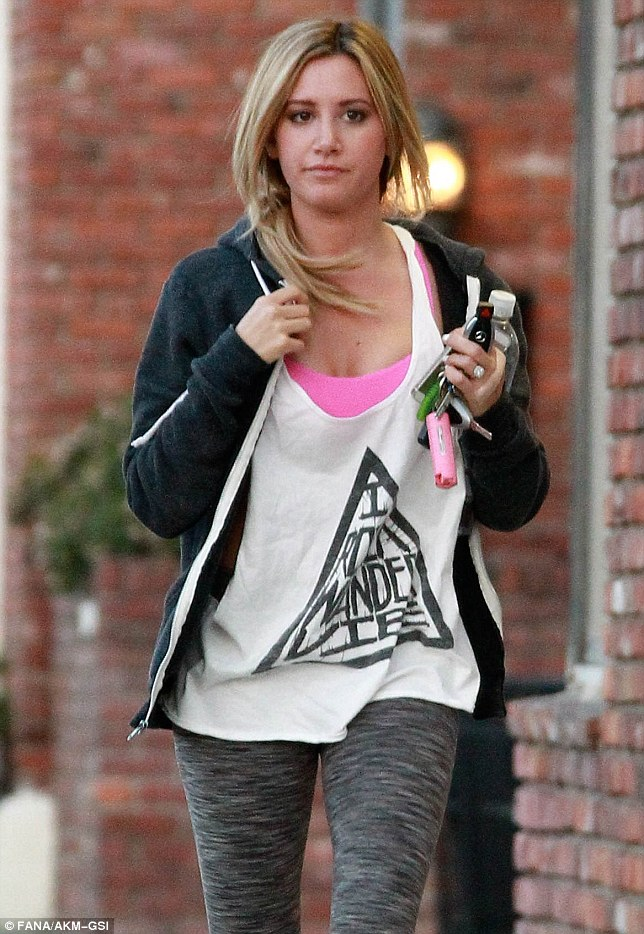 What Would Sharpay Say Ashley Tisdale Makes Her Way To