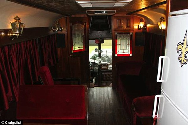 Willie Nelsons Old Tour Bus On Sale For 65000 As The Price Continues To Soar In Craigslist