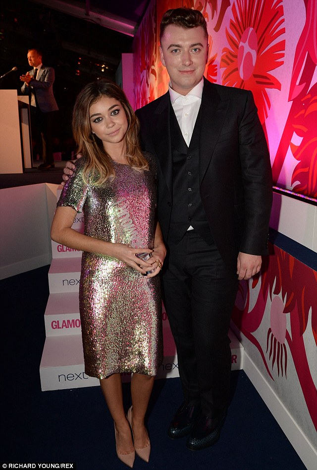 Random pairings: Sam Smith presented Sarah Hyland with the Comedy Actress award