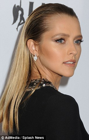 Teresa Palmer Ditches Her Trademark Boho Style To Show Off