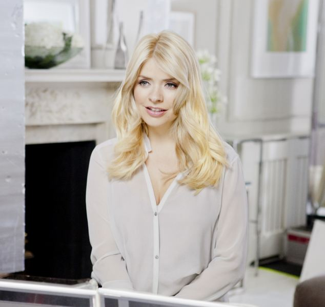 Holly Willoughby Named As The New Face Of Garnier Nutrisse