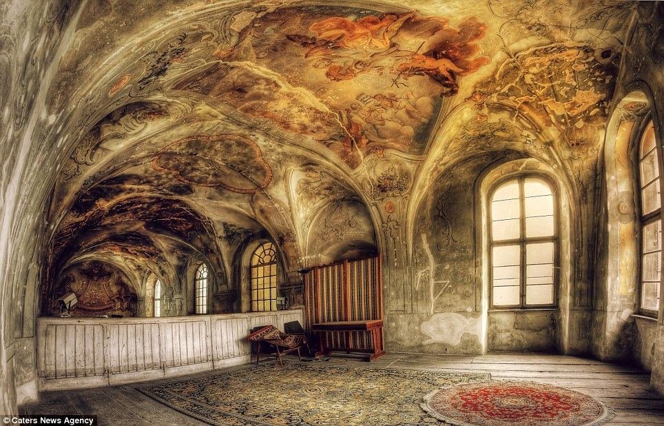 Spectacular Photos Show Europes Abandoned Buildings