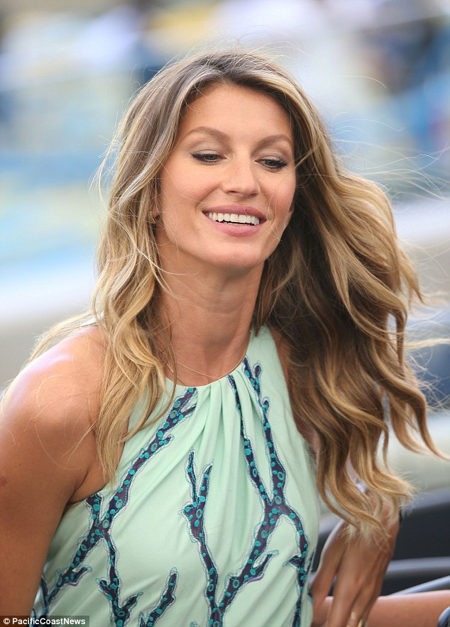 Gisele Bundchen Legs It To World Cup Final With Tom Brady