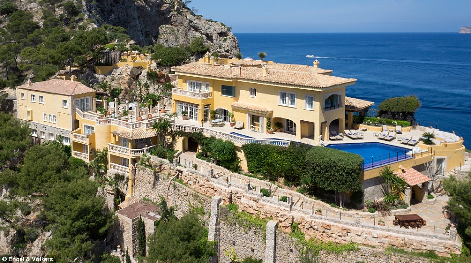 Luxury Mallorca Castle Where Princess Diana Used To Holiday On The Market For 30m Daily