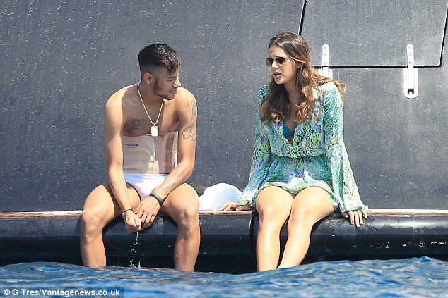 Image result for bruna marquezine neymar kiss