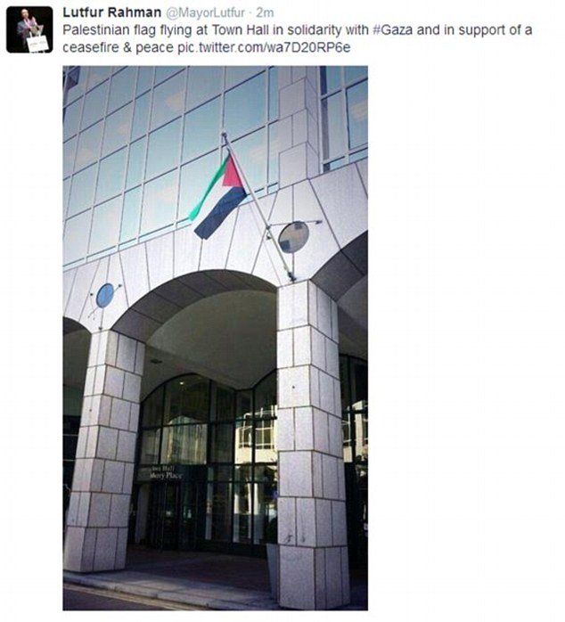 Tower Hamlets Mayor Lutfur Rahman tweeted this photo of the Palestinian flag flying outside the town hall