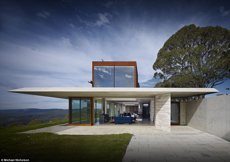 The Invisible House Wins Australian House Of The Year 2014 Daily Mail Online