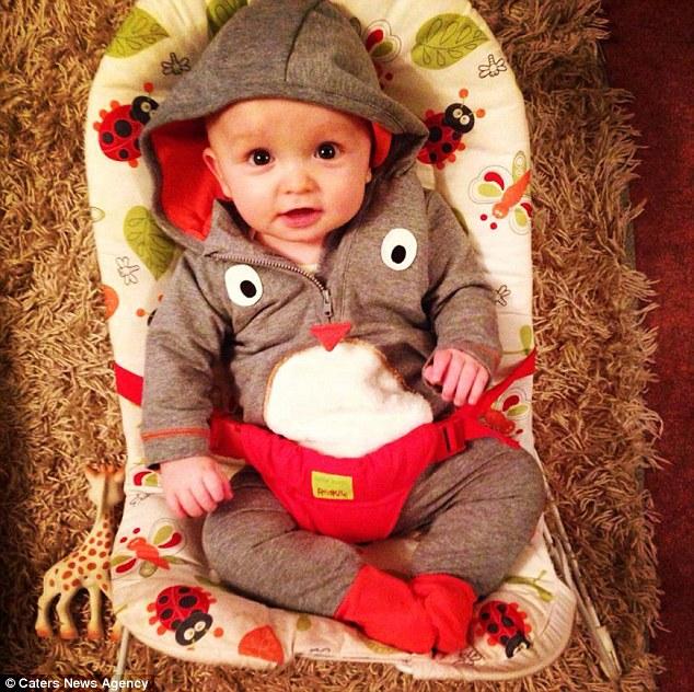 """Os testes revelaram Jacob, que tinha oito meses de idade na época, foi uma combinação perfeita.  Mrs Davis, disse: """"As pessoas às vezes acho que ele nasceu para salvar a sua irmã, mas que não era o caso.  Ele só teve a chance de '"""