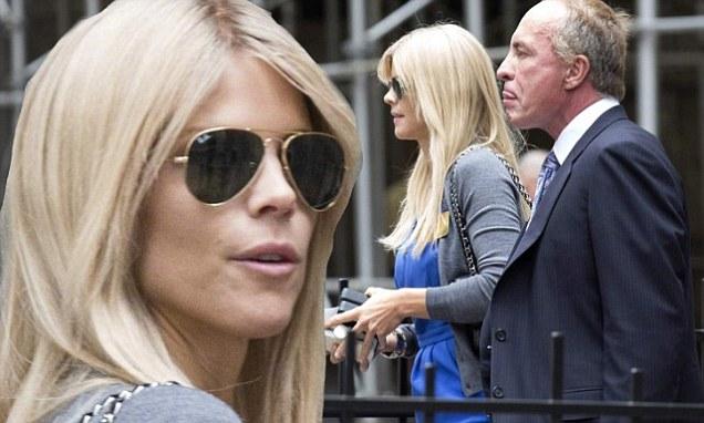 Tiger Woods Ex Wife Elin Nordegren Splits With