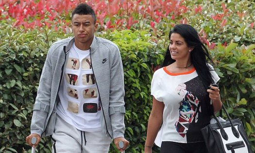 Jesse Lingard leaves hospital with leg in a brace after ...