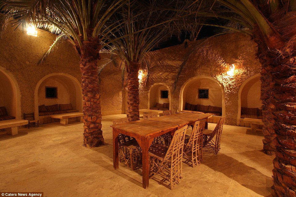 Egypts Stunning Desert Hotel Where Mobiles Are Banned And