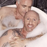 "Gareth Thomas' bubble bath ""Attitude Photo Shoot"" with gay boyfriend!"