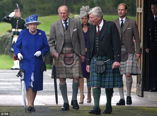 Home: Queen Elizabeth II with Prince Philip and Prince Edward in Scotland | ozara gossip