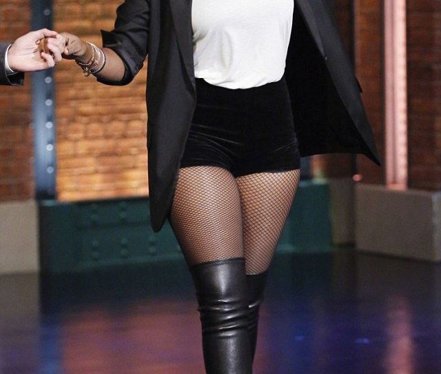 Here She Comes Jennifer Hudson Made An Appearance On Late Night With Seth Meyers On